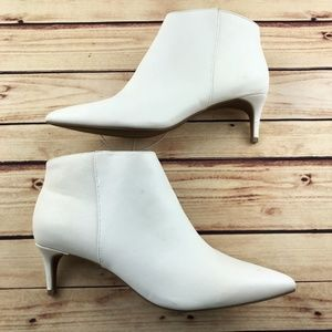 A New Day FLO Boots Size 11 Kitten Heel Ankle